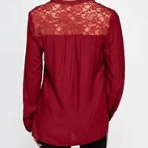 MAURICES SZ XL LACE BACK BURGANDY TOP